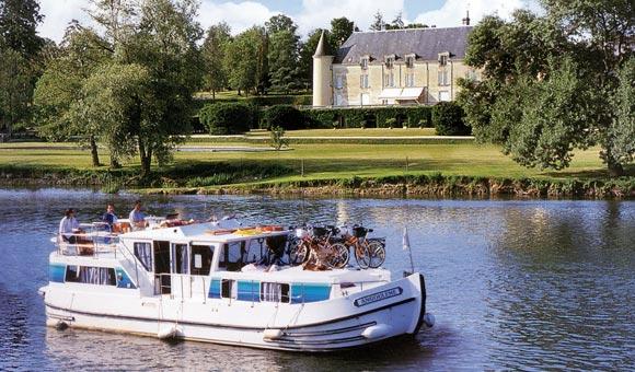 Exclusive discount and independent advice on our Europe boating holidays