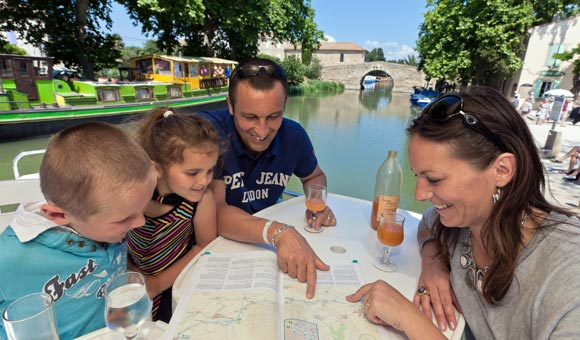 Fantastic savings on family boating holidays