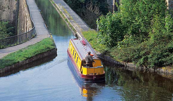 The UK canal holiday experts